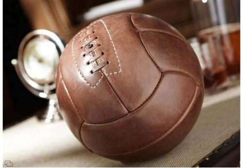 Ballon Football Cuir+Socle  Au AMADEUS