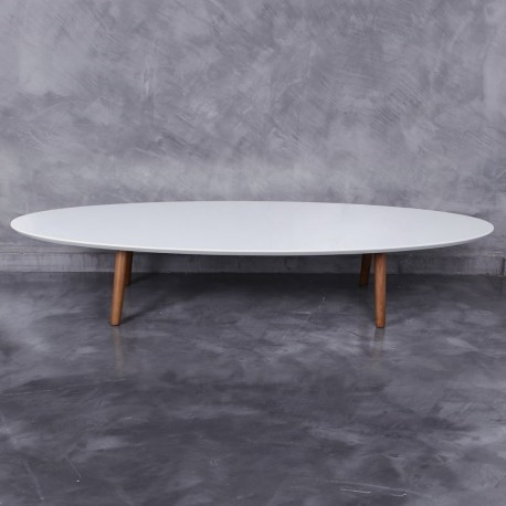 Table basse ovale scandinave avec plateau en bois laqu e for Table basse scandinave laquee