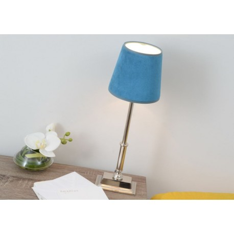 lampe poser chrome chic et abat jour en velours bleu canard amade. Black Bedroom Furniture Sets. Home Design Ideas