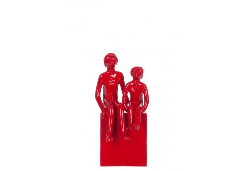 Statut 2 enfants assis Rouge 15X11X23Cm