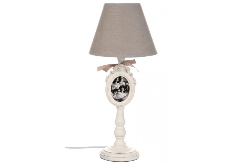 lampe poser shabby chic en bois blanc et abat jour beige 20x20x55. Black Bedroom Furniture Sets. Home Design Ideas