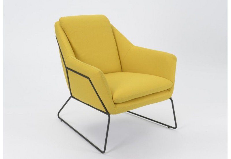fauteuil r tro scandinave jaune amadeus amadeus 19849. Black Bedroom Furniture Sets. Home Design Ideas
