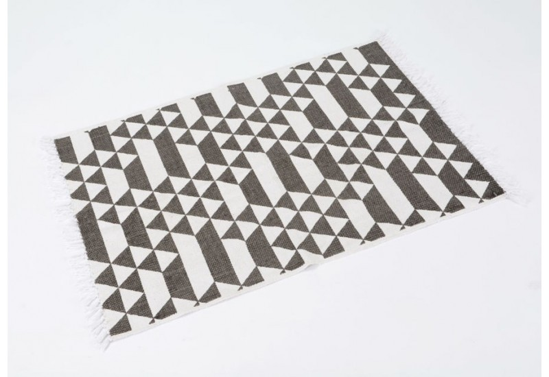 tapis de salon gris fonc et blanc triangles 120x180 cm. Black Bedroom Furniture Sets. Home Design Ideas