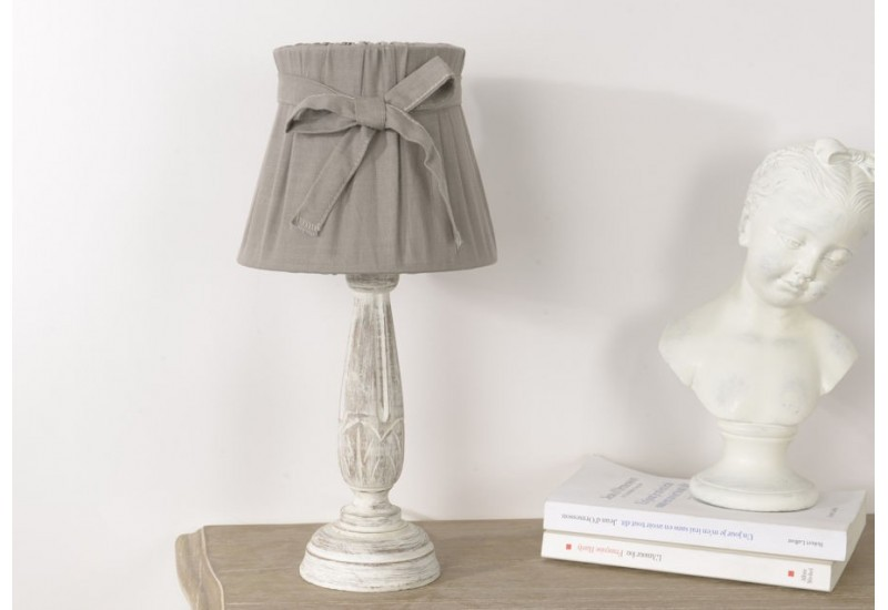 lampe de chevet romantique corolla avec abat jour plisse gris amade. Black Bedroom Furniture Sets. Home Design Ideas