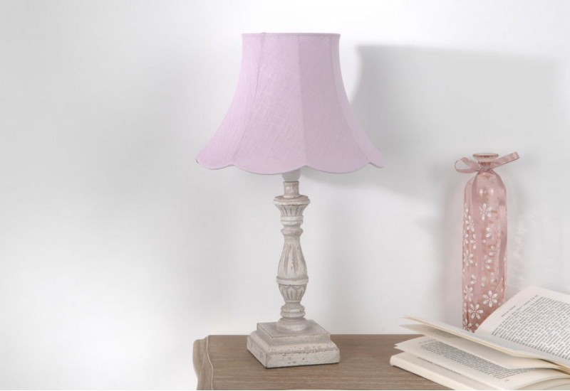 lampe de chevet romantique celestine avec abat jour pagode blanche. Black Bedroom Furniture Sets. Home Design Ideas
