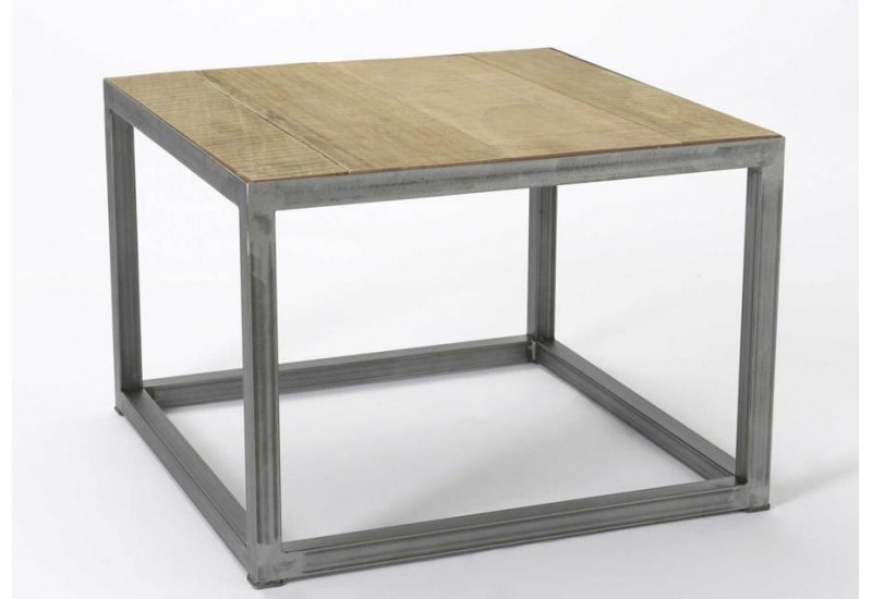Table basse carr style industriel planche et m tal brut for Table basse carre industriel