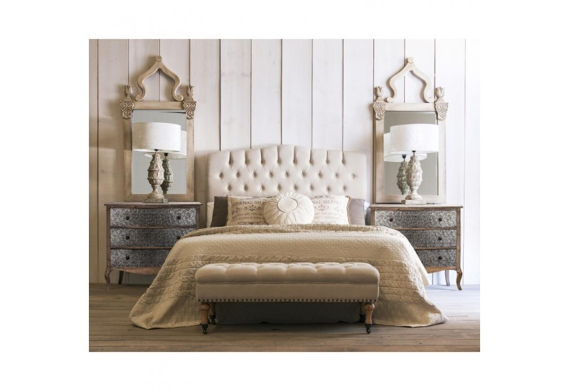 t te de lit romantique en tissus beige capitonn vical. Black Bedroom Furniture Sets. Home Design Ideas
